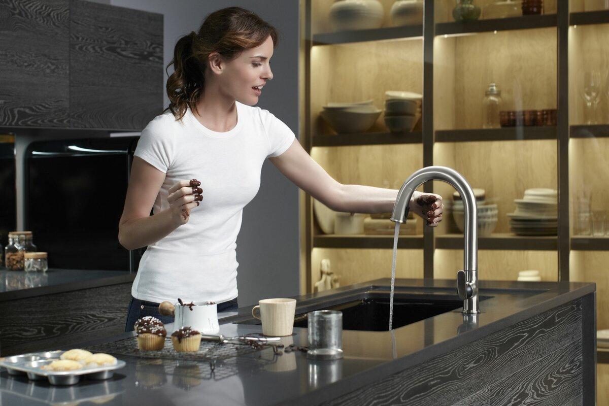 kohler sensate touchless kitchen faucet with 15 1 2