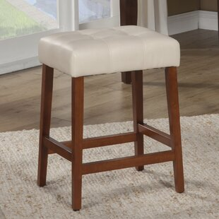 Perot 24 Bar Stool