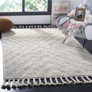 Piya Hand-Knotted Wool Ivory/Gray Area Rug