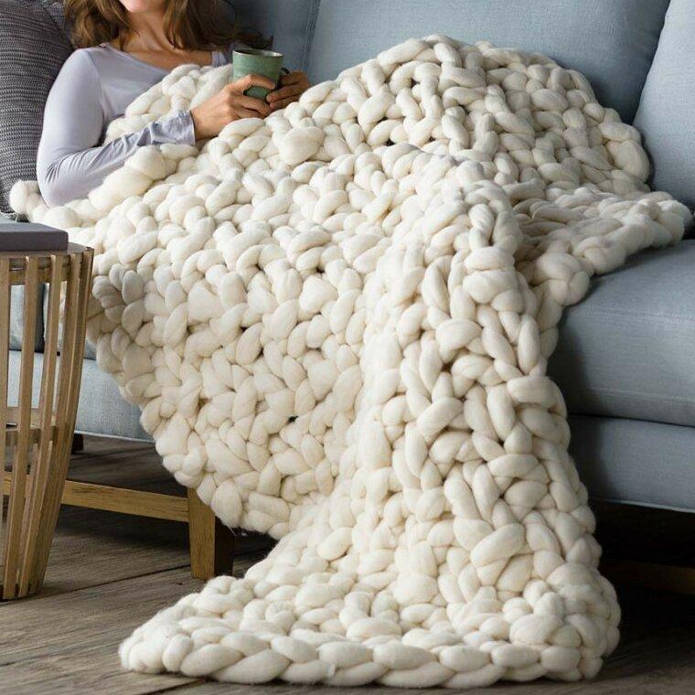 Brayden Studio Wonarah Chunky Knit Wool Throw