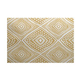 Abbie Beige/White Indoor/Outdoor Area Rug ByEbern Designs