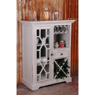 Shirlee Cottage Wine Server