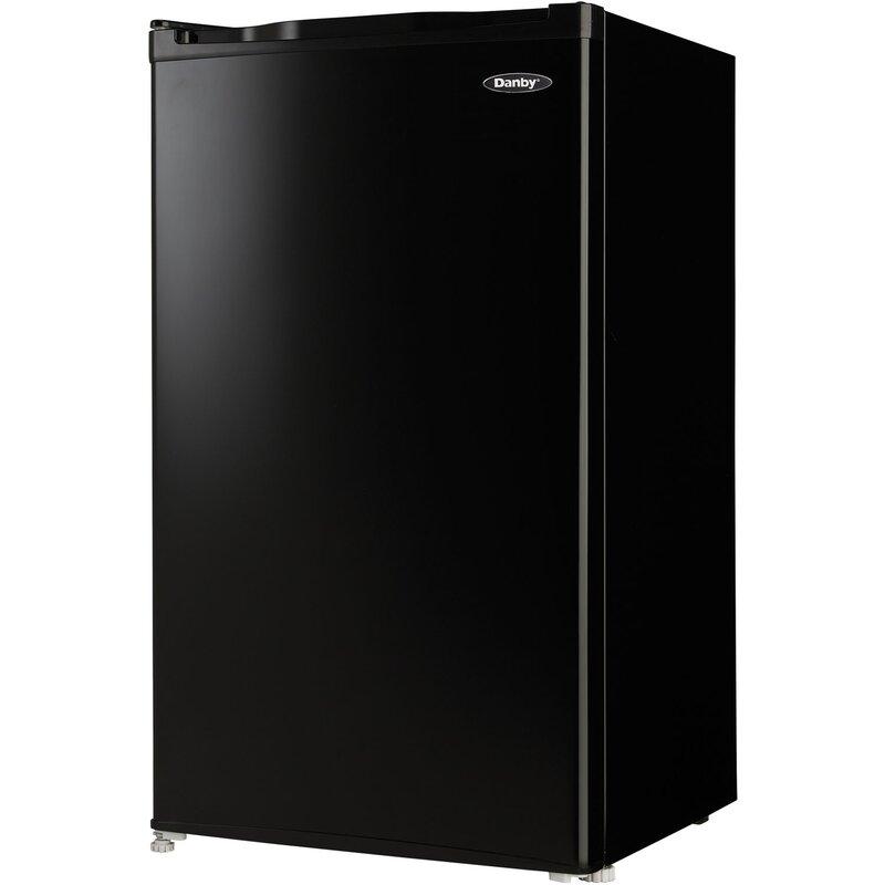 3 2 cu  ft  Compact Refrigerator with Freezer