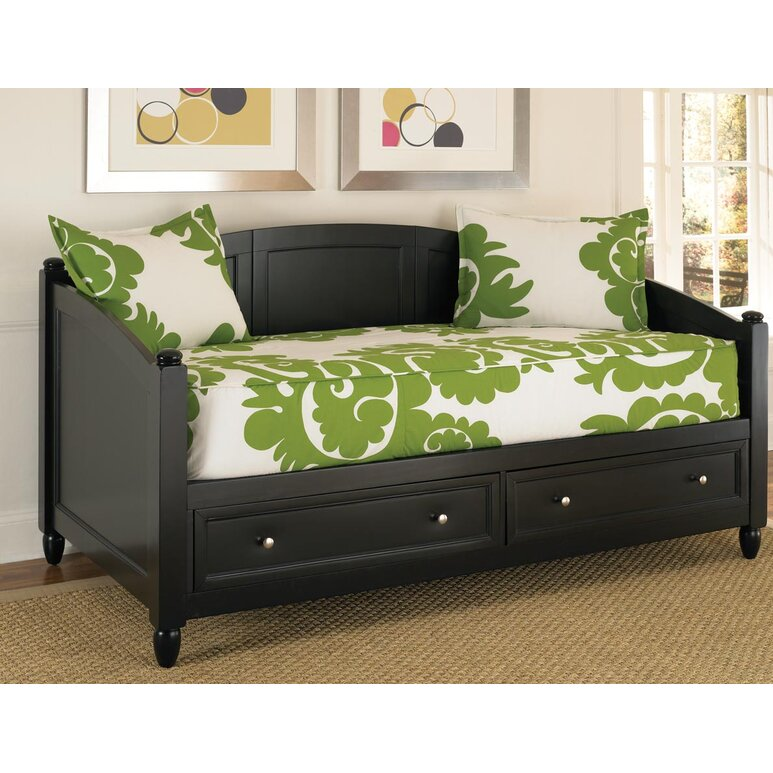 40 Tips For Decorating With Daybeds Wayfairca Best How To Decorate A Daybed With Pillows