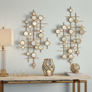 Round Mirrored Wall Décor