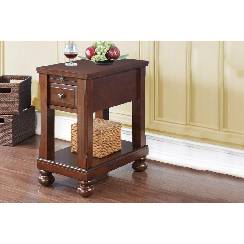 Merveilleux Seger Chair End Table With Power Outlet