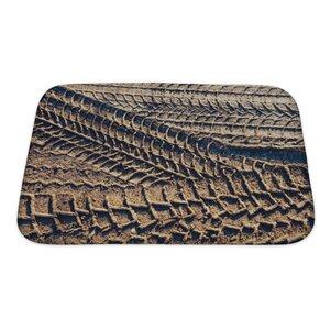 Cars Wheel Tracks on the Soil, Closeup Pattern Bath Rug