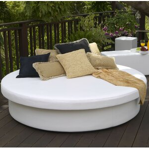 SunPad Round Resort Patio Daybed
