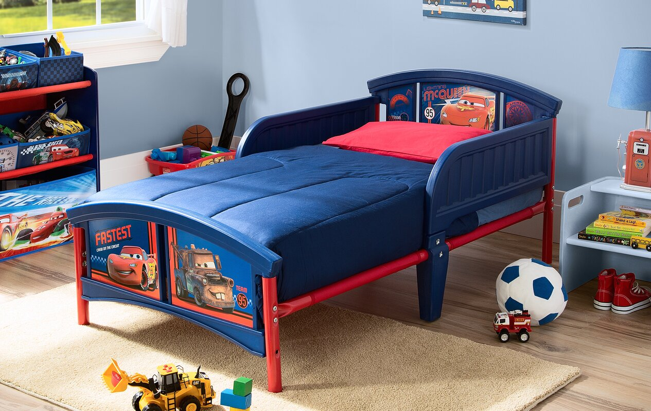Stool but not sure of the bed do you like it too 2 princess bedroom - Disney Pixar Convertible Toddler Bed