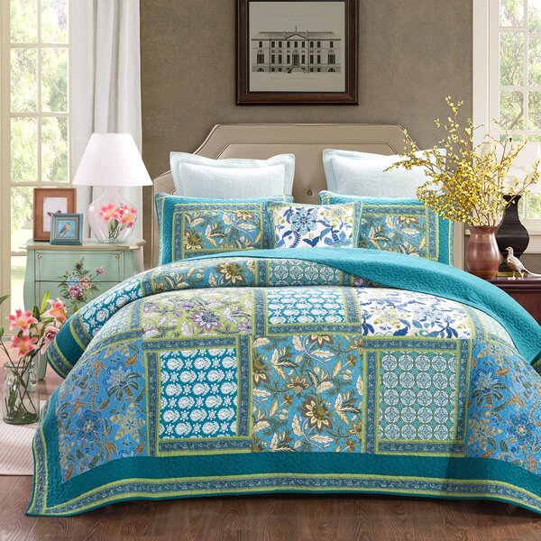 Dada Bedding Greek Mediterranean Fountain Reversible Quilt