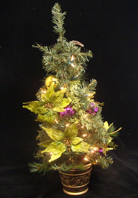 poinsettia pre lit decorated christmas tree