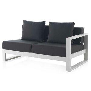 Sofa mit Kissen von Hazelwood Home