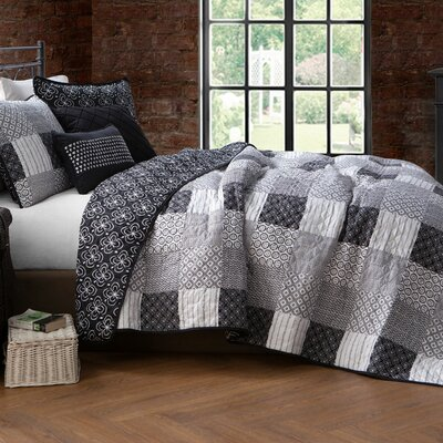 Evangeline 5 Piece Quilt Set Avondale Manor Size: Twin Quilt + 2 Shams + 2 Throw Pillow, Color: Black