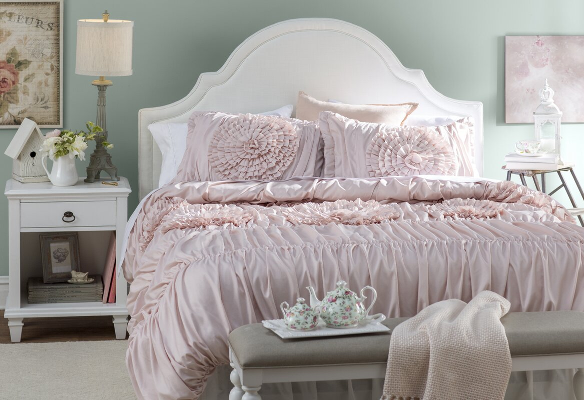 Lark Manor Lazerte 3 Piece Pink Blush Comforter Set