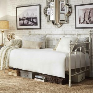 Armillac Daybed by Lark Manor
