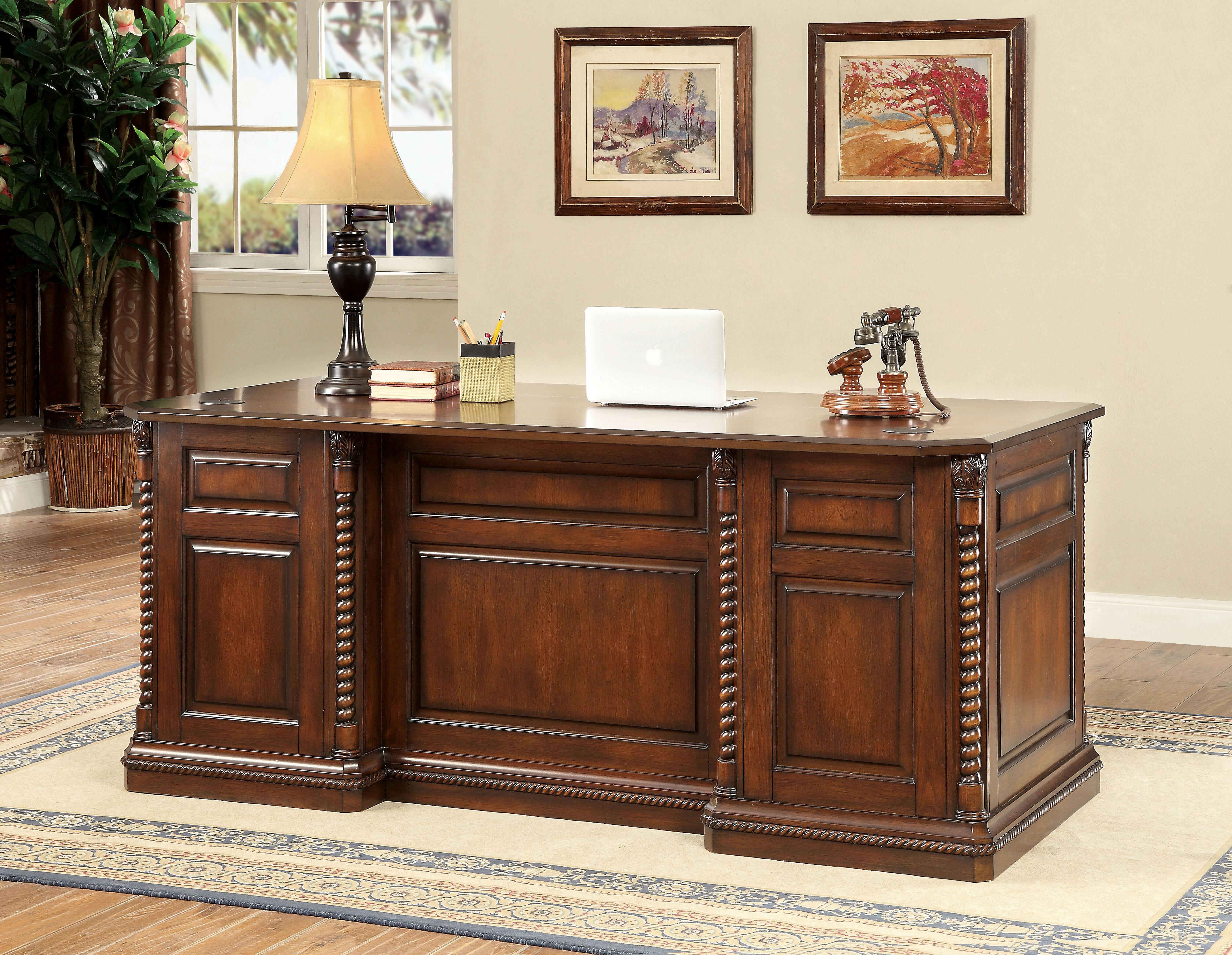 Exceptionnel Ardnaglass Traditional Dark Oak Executive Desk