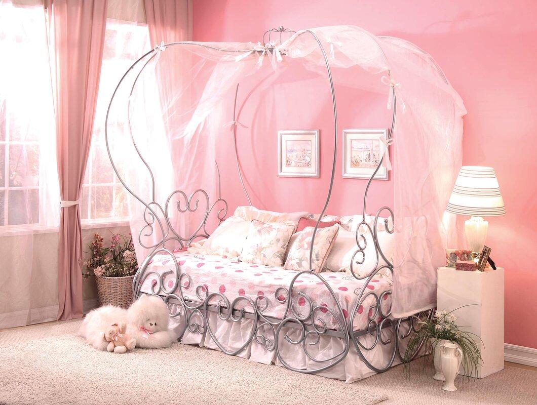 Priya Canopy Bed