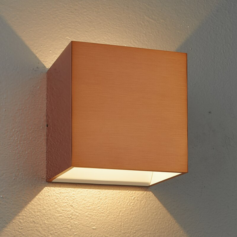 Poppy Dimmable LED Wall Sconce