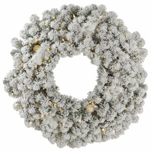 Flocked Kodiak Wreath