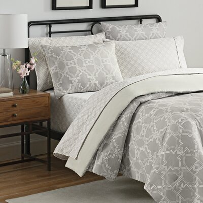 Simmons Fremont 7 Piece Reversible Comforter Set Size: Queen