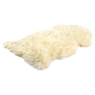 Long Wool Gold Star Sheepskin Rug
