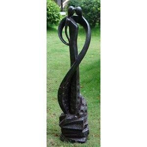 Statue Tender Kiss