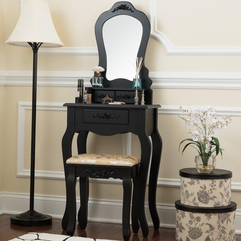Lovely Bentleyville Elegant Vanity Set With Mirror