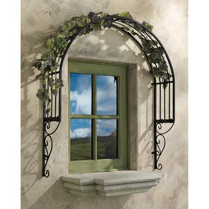 Thornbury Iron Arched Trellis