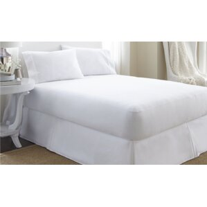 Renatta Deep Pocket Zippered Hypoallergenic Waterproof Mattress Protector by Home Fashion Designs