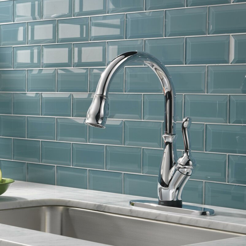 Delta Leland Standard Single Handle Kitchen Faucet with Touch2O ...