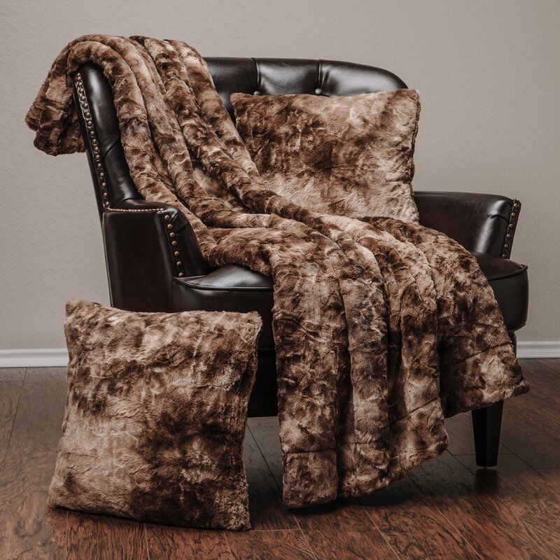 Faux fur throw blanket Extra Large Trio Super Soft Fuzzy Faux Fur Throw Blanket And Pillow Cover Set Wayfair Latitude Run Trio Super Soft Fuzzy Faux Fur Throw Blanket And Pillow