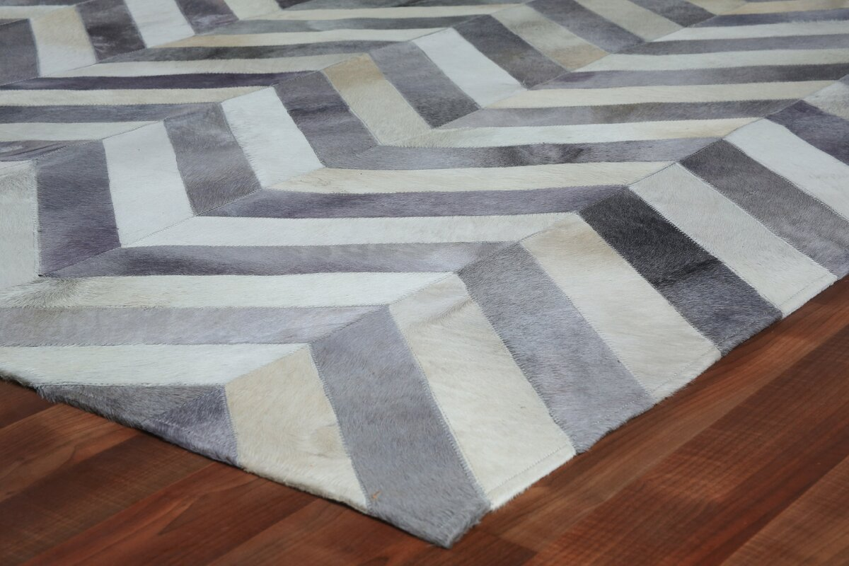 Natural Hide Hand Woven Cowhide White/Light Gray Area Rug