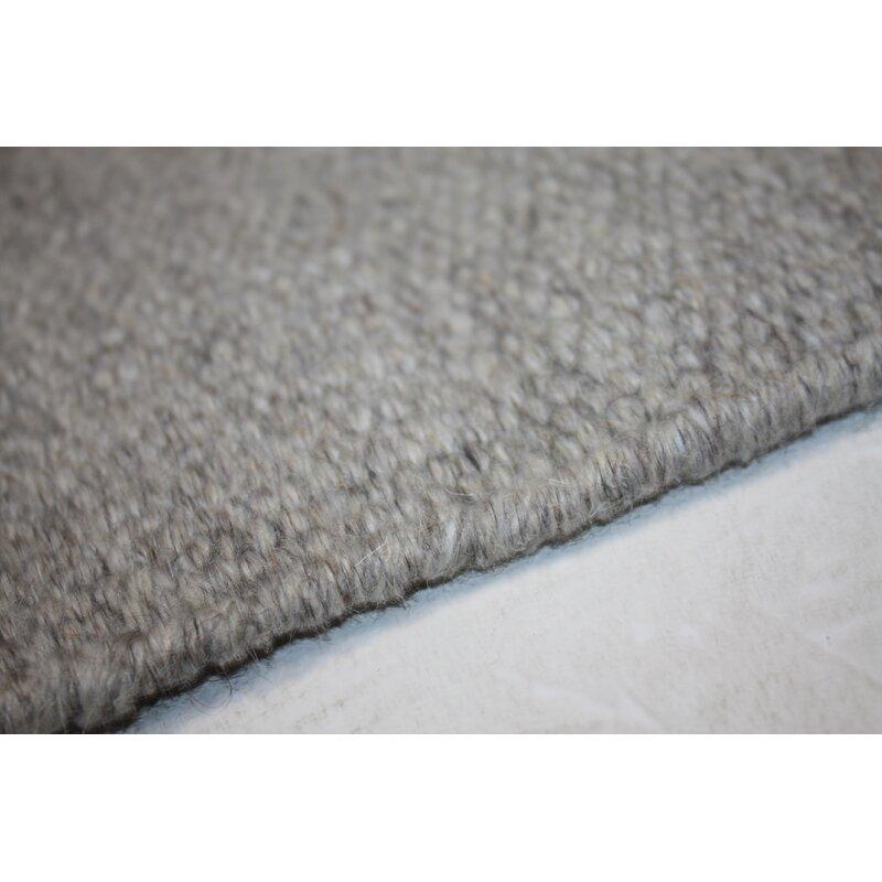 Metro Lane Handgefertigter Kelim Teppich Beebe Aus Wolle In Hellgrau