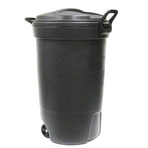 rubbermaid wheeled 32 gallon trash can