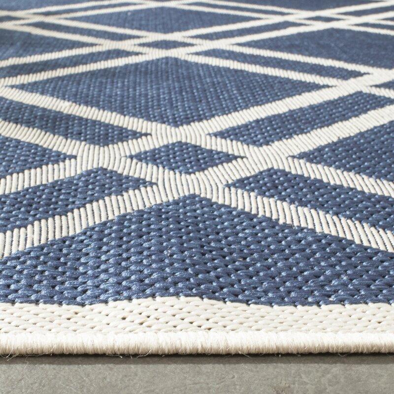safavieh innen au enteppich courtyard in elfenbein blau bewertungen. Black Bedroom Furniture Sets. Home Design Ideas