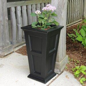 Fairfield Self-Watering Plastic Pot Planter