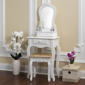Bentleyville Elegant Vanity Set With Mirror