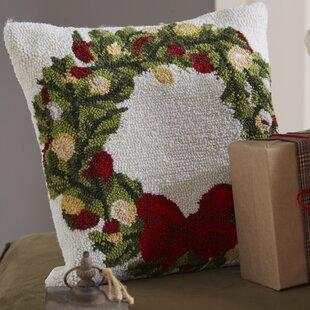 Superieur Haggerty Wreath Throw Pillow