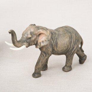 Beau Natural Looking Elephant Figurine
