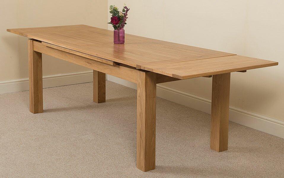 red barrel studio essgruppe triple crossing mit ausziehbarem tisch und 8 st hlen bewertungen. Black Bedroom Furniture Sets. Home Design Ideas