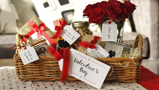 Decorate your hamper with our gift tags to show someone how much you love  them!