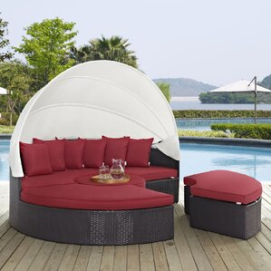 ryele daybed with cushions