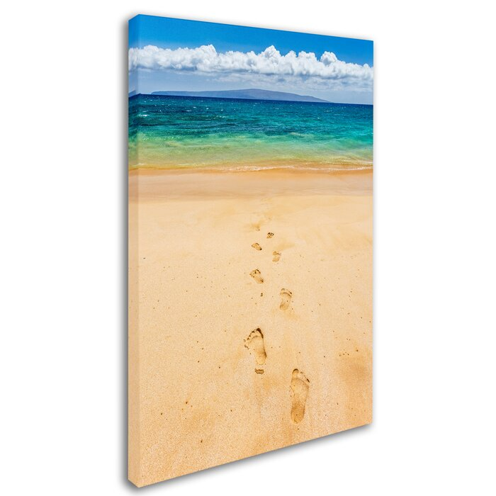 Contemporary Footprints In The Sand Wall Decor Photo - Wall Art ...