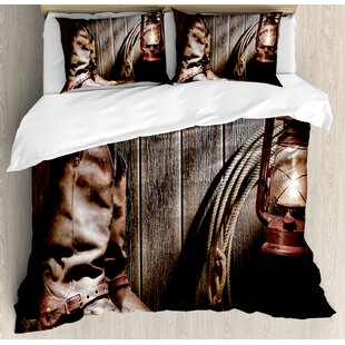 Attirant Western Dallas Cowboys And Lantern On A Bench In Vintage Ranch Nostalgic  Folkloric Print Duvet Cover Set
