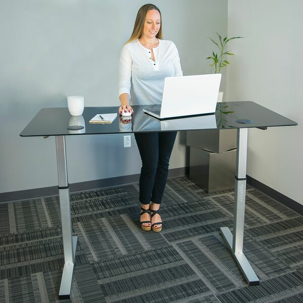 Latitude Run Oanh Adjustable Height Motorized Standing Desk