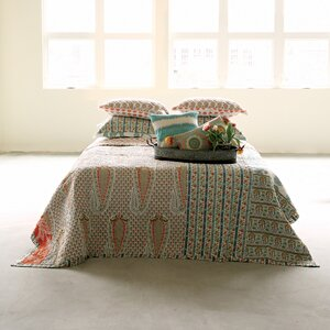 Bungalow Lane Screen Printed Bed Quilt