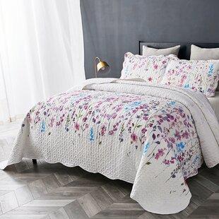 226fed1fade12 Jurnee Lilac Floral Pattern Reversible Quilt Set