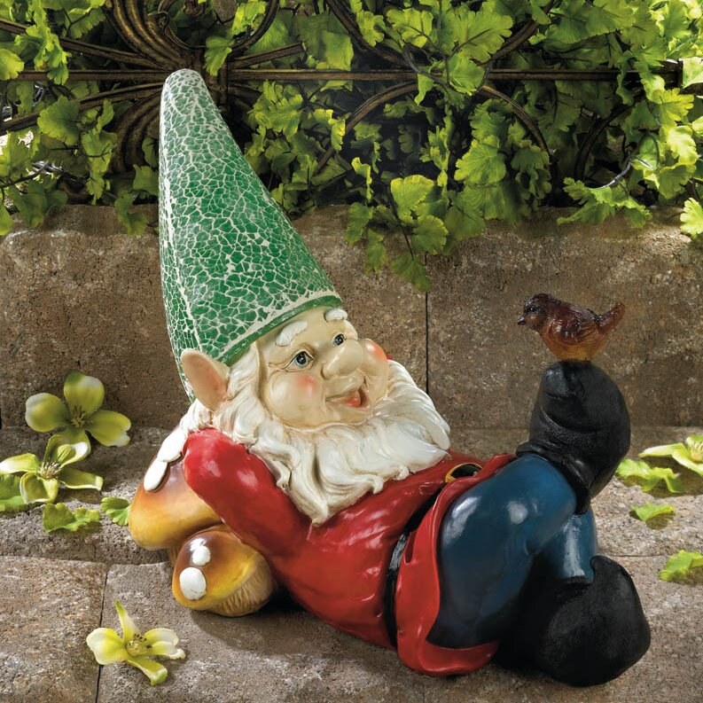 Gnome In Garden: Zingz & Thingz Lazy Gnome Solar Statue & Reviews