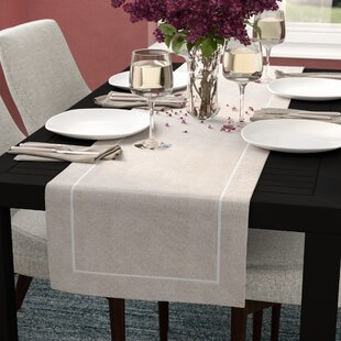 Genial Meraz Chic Pleated Design Table Runner