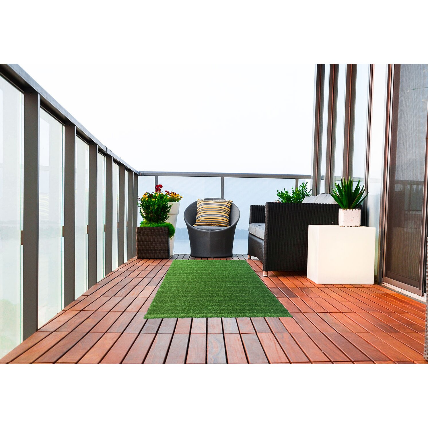 Ottomanson garden grass green indoor outdoor area rug for Landscape indoor area rug